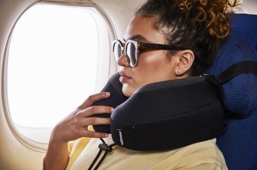 Mách bạn cách lựa chọn gối tựa đi máy bay đơn giản